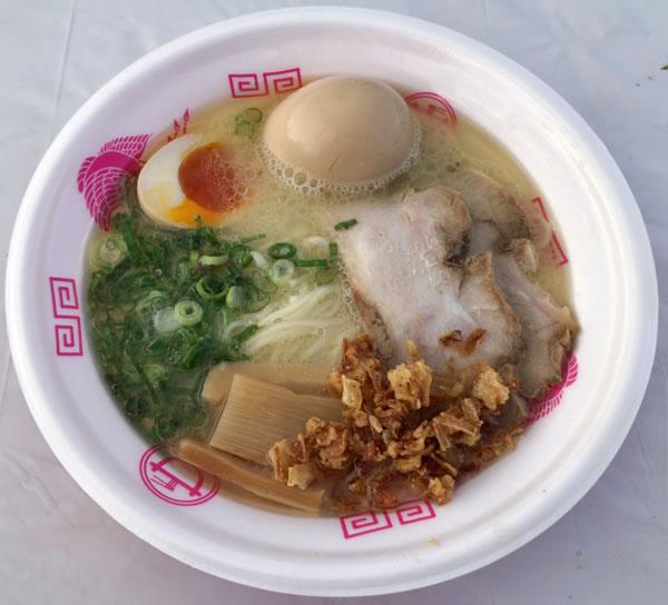 福島鶏白湯 とろ肉乗せラーメン